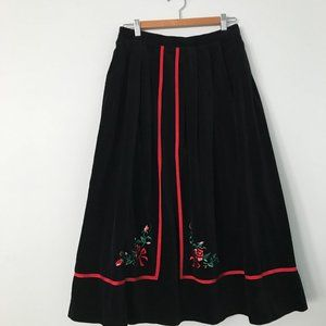 SUSAN BRISTOL VNTG BLACK VELVET EMBROIDERED SKIRT